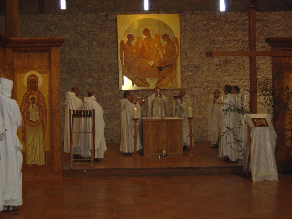 THE MONASTIC FAMILY OF BETHLEHEM (monks)